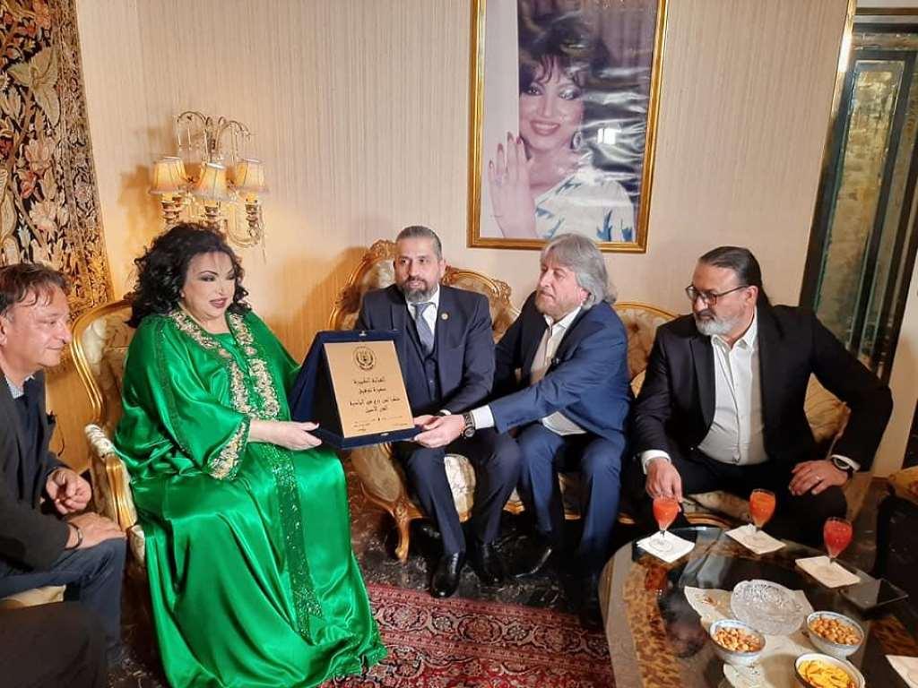 صورة تكريم سميرة توفيق ومنحها لقب رئيسة شرفية لنقابة محترفي الموسيقي والغناء